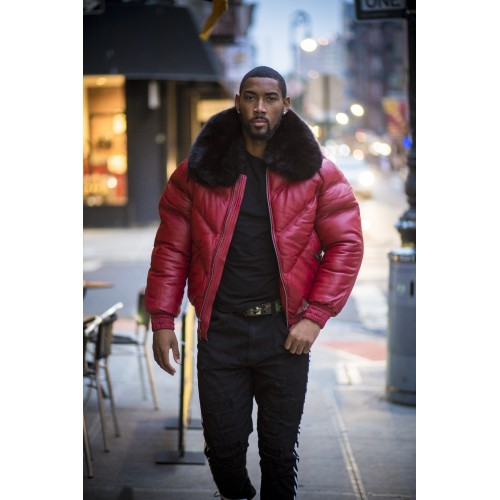 V-BOMBER RED WITH BLACK FUR