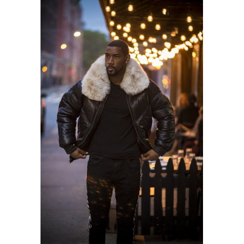 V-BOMBER BLACK WITH OFF WHITE FUR